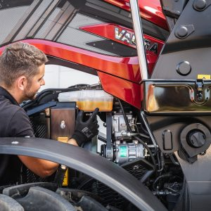 Valtra service folk er der til at vedligeholde din Valtra traktor