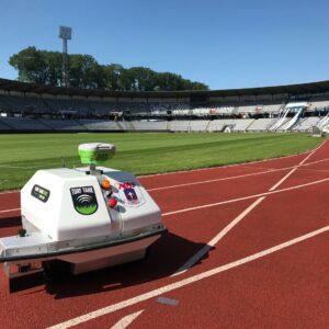 Tjek denne specialdesignede Turf Tank-robot vi har lavet til AGF.